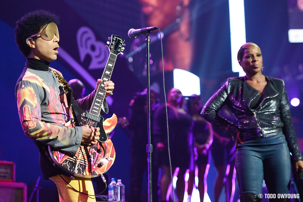 Prince and Mary J. Blige performing at the iHeartRadio Music Festival in Las Vegas, Nevada on September 22, 2012.