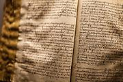 Dokumente in einer Ausstellung über Jan Hus im Museum der südböhmischen Stadt Tabor.<br /> Tabor wurde als eine Hochburg der Hussitenbewegung bekannt. Im Frühjahr 1420 zogen Anhänger des tschechischen Reformators Jan Hus nach seinem am 6. Juli 1415 in Konstanz erlittenen Feuertod aus der Stadt Sezimovo Usti auf einen nahegelegenen Berg mit der Burg Kotnov.