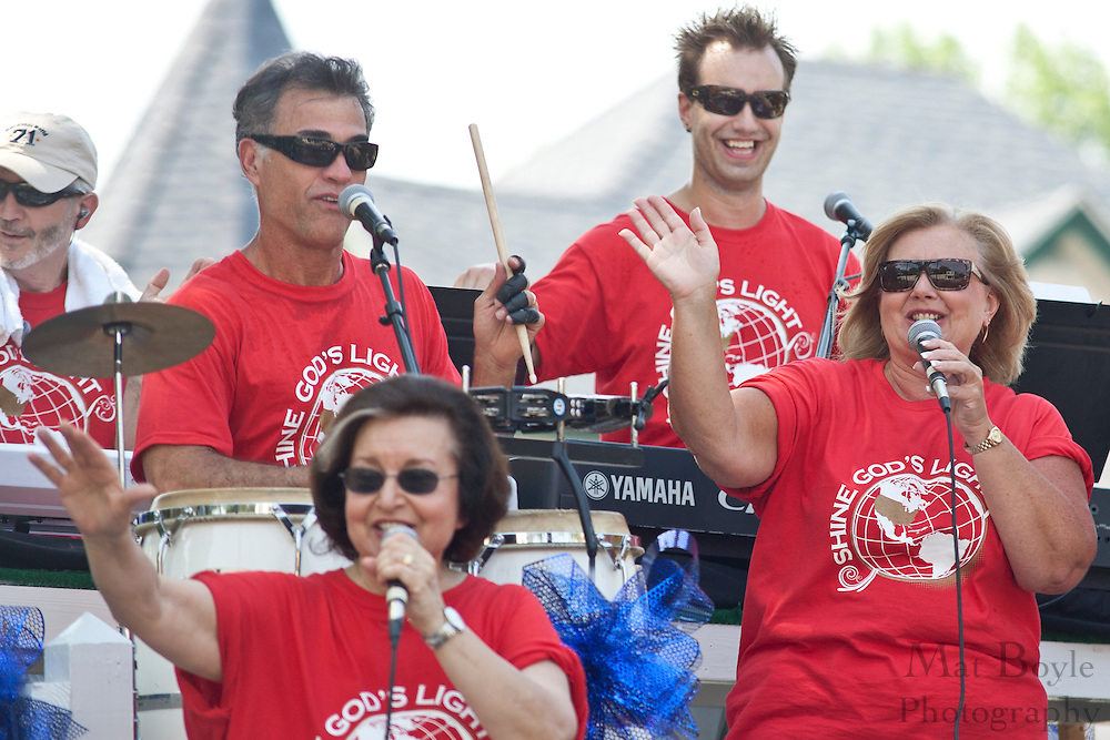 Members of the Gloucester County Community Church sing on a float in the 2010 Pitman NJ 4th of July Parade.