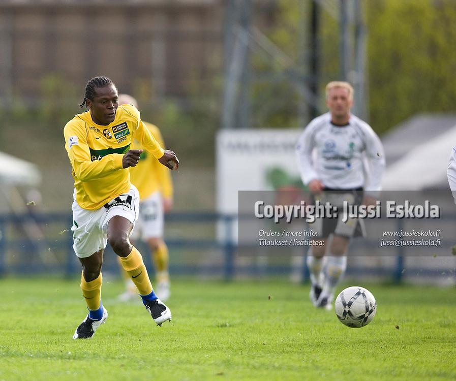 Hassan Sesay. Haka - KuPS. Veikkausliiga 5.5.2008. Valkeakoski. Photo: Jussi Eskola