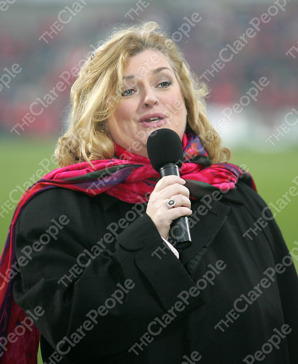 21/1/2006<br />Soprano Carol O'Sullivan singing before the start of the match at the Heineken Cup clash between Munster and Sale Sharks in Thomond Park on Saturday.<br />Picture: Liam Burke/Press 22