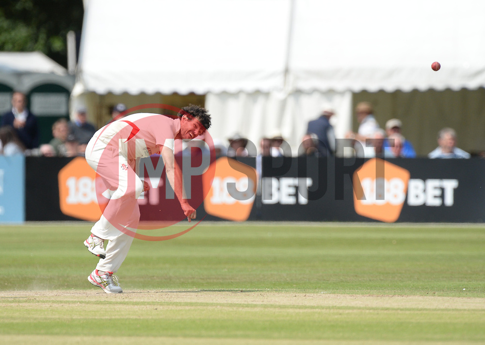 Leicestershire 's Clinton McKay bowls. - Photo mandatory by-line: Alex James/JMP - Mobile: 07966 386802 - 17/07/2015 - SPORT - Cricket - Cheltenham - Cheltenham College - Gloucestershire v Leicestershire - LV=County Championship Division 2