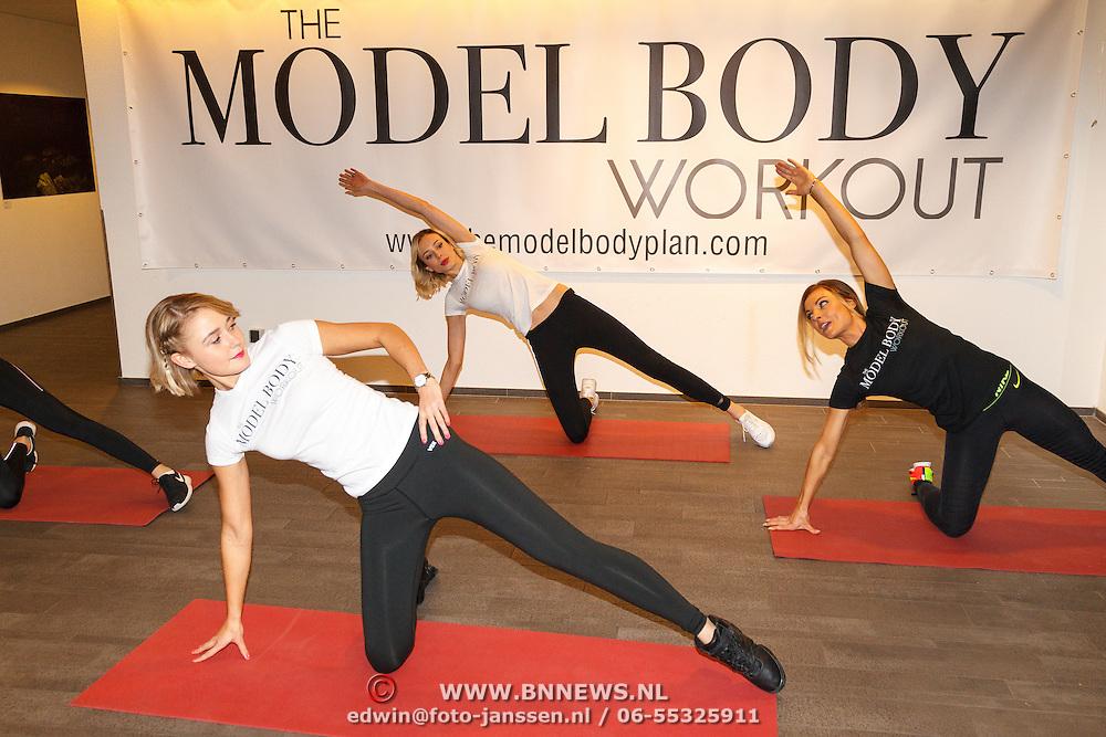 NLD/Amsterdam/20151028 - Boekpresentatie Kasia Rain - Healthy & Simple with Kasia Rain, Kasia Rain met modellen  Loize Lamers en Laurie Kruitbosch