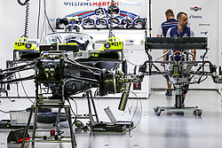 September 14, 2018 - Singapore, Singapore - Motorsports: FIA Formula One World Championship 2018, Grand Prix of Singapore, .Mechanics working on the Williams F1 Mercedes FW41  (Credit Image: © Hoch Zwei via ZUMA Wire)