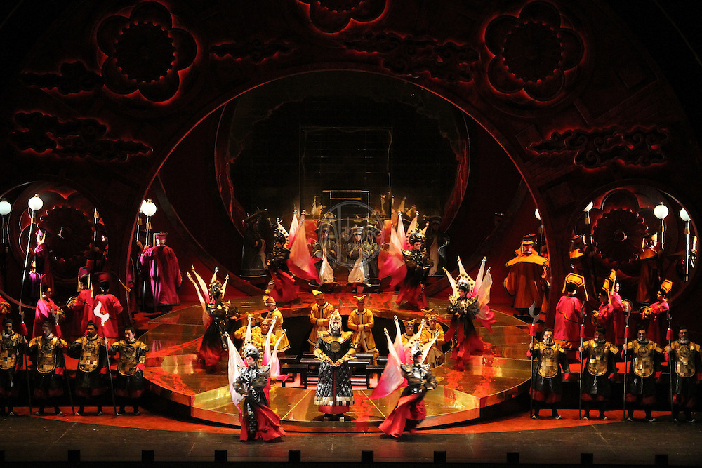 Seattle Opera Turandot Act II.