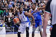 DESCRIZIONE : Beko Legabasket Serie A 2015- 2016 Dinamo Banco di Sardegna Sassari - Acqua Vitasnella Cantu'<br /> GIOCATORE : Tony Mitchell<br /> CATEGORIA : Passaggio Penetrazione<br /> SQUADRA : Dinamo Banco di Sardegna Sassari<br /> EVENTO : Beko Legabasket Serie A 2015-2016<br /> GARA : Dinamo Banco di Sardegna Sassari - Acqua Vitasnella Cantu'<br /> DATA : 24/01/2016<br /> SPORT : Pallacanestro <br /> AUTORE : Agenzia Ciamillo-Castoria/L.Canu
