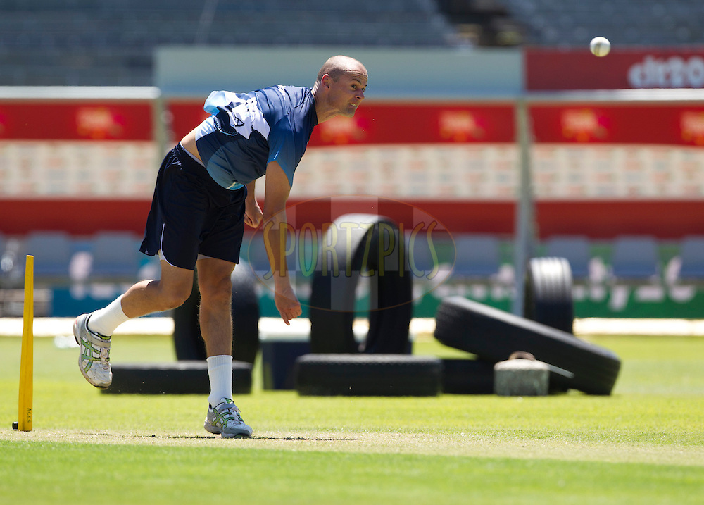 Chris Martin bowls on the track during the Auckland Aces practice session held a Kingsmead Stadium in Durban on the 18th October 2012..Photo by Rogan Ward/SPORTZPICS/CLT20