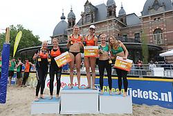 20160529 NED: Beachvolleybal Eredivisie, Arnhem<br />Podium bij de vrouwen, Raisa Schoon, Emi van Driel, Nika Daalderop, Joy Stubbe, Marloes Wesselink en Laura Bloem