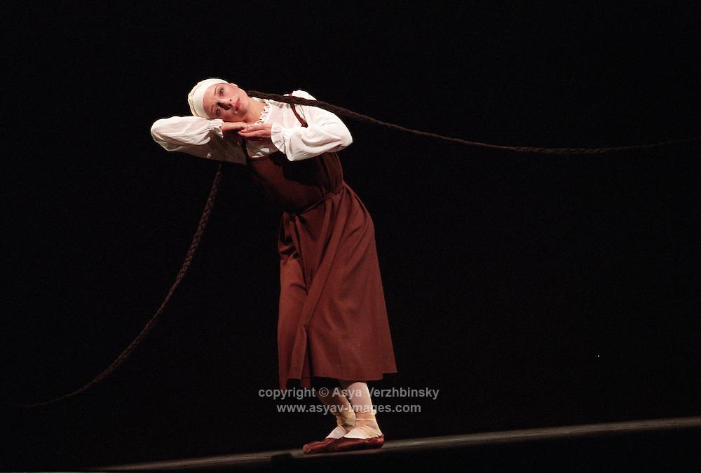 Royal Ballet Sacre Du Printemps<br /> Zenaida Yanowsky