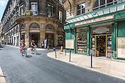 Boutiques du centre ville de Bordeaux // Bordeaux city center shopping area