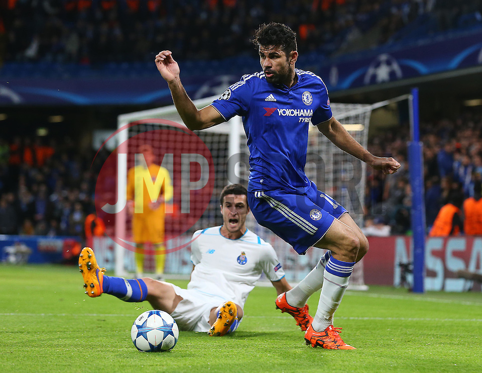 Diego Costa of Chelsea in action - Mandatory byline: Paul Terry/JMP - 09/12/2015 - Football - Stamford Bridge - London, England - Chelsea v FC Porto - Champions League - Group G