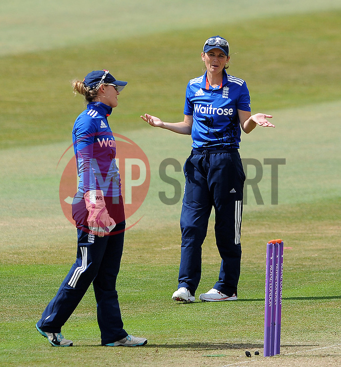 England's Charlotte Edwards gestures to England's Sarah Taylor. - Photo mandatory by-line: Harry Trump/JMP - Mobile: 07966 386802 - 21/07/15 - SPORT - CRICKET - Women's Ashes - Royal London ODI - England Women v Australia Women - The County Ground, Taunton, England.