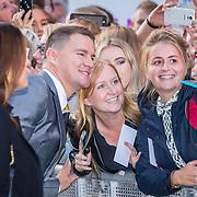 NLD/Amsterdam/20170818 - Première Logan Lucky, Channing Tatum en zijn fans