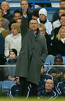Fotball<br /> Premier League England 2004/2005<br /> 18.12.2004<br /> Foto: BPI/Digitalsport<br /> NORWAY ONLY<br /> <br /> Chelsea v Norwich City<br /> FA Barclays Premiership.<br /> 18/12/2004<br /> <br /> Chelsea manager Jose Mourinho barks his orders.