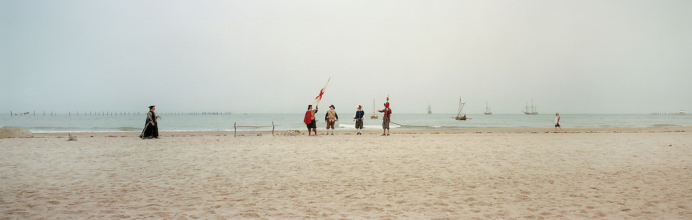 Reenactment of the first landing of English settlers in the USA at First Landing Park on the 400th anniversary, 2007. Photograph by Roger M. Richards