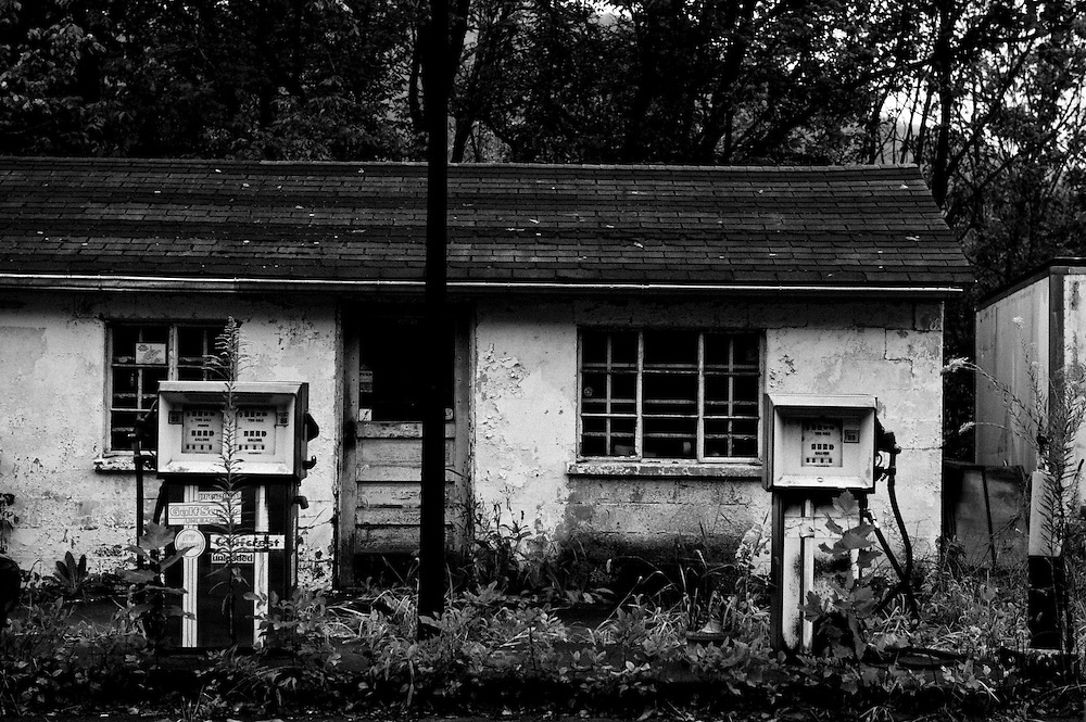 September 15, 2011; Mannington, WV USA America's Vanishing A West Virginia Gulf gas station in decay.  © 2011 Scott LePage