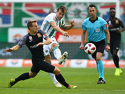 28.10.2018, Allianz Stadion, Wien, AUT, 1. FBL, SK Rapid Wien vs FC Flyeralarm Admira, 12. Runde, im Bild Daniel Toth (FC Flyeralarm Admira) und Stefan Schwab (SK Rapid Wien) // during Austrian Football Bundesliga Match, 12th Round, between SK Rapid Vienna and FC Flyeralarm Admira at the Allianz Arena, Vienna, Austria on 2018/10/28. EXPA Pictures © 2018, PhotoCredit: EXPA/ Thomas Haumer