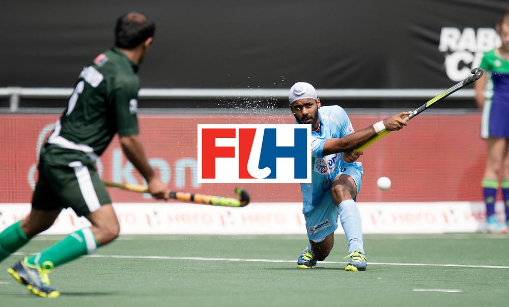 BREDA - Rabobank Hockey Champions Trophy<br /> India - Pakistan<br /> Photo: Simranjeet Singh.<br /> COPYRIGHT WORLDSPORTPICS FRANK UIJLENBROEK