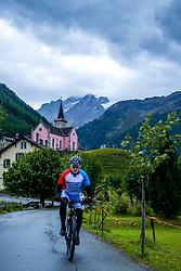 13-09-2017 SUI: BvdGF Tour du Mont Blanc day 5, Champex<br /> Deze etappe wordt volledig in Zwitserland verreden en bevat enkele mooie trails. We eindigen bergop waar er in Champex werd overnacht. Jan