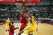 DESCRIZIONE : Roma Eurolega 2009-10 Lottomatica Virtus Roma Maccabi Electra Tel Aviv<br /> GIOCATORE : Alan Anderson Kennedy Winston<br /> SQUADRA : Maccabi Electra Tel Aviv Lottomatica Virtus Roma<br /> EVENTO : Eurolega 2009-2010<br /> GARA : Lottomatica Virtus Roma Maccabi Electra Tel Aviv<br /> DATA : 12/11/2009 <br /> CATEGORIA : tiro stoppata rimbalzo<br /> SPORT : Pallacanestro <br /> AUTORE : Agenzia Ciamillo-Castoria/E.Castoria<br /> Galleria : Eurolega 2009-2010 <br /> Fotonotizia : Roma Eurolega 2009-10 Lottomatica Virtus Roma Maccabi Electra Tel Aviv<br /> Predefinita :