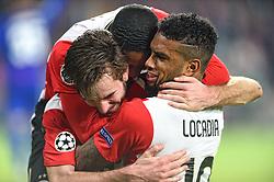 08-12-2015 NED: UEFA CL PSV - CSKA Moskou, Eindhoven<br /> PSV wint met 2-1 en plaatst zich voor de volgende ronde in de CL / Davy Propper #6 scoort de 2-1 en viert dat met Jurgen Locardia #19