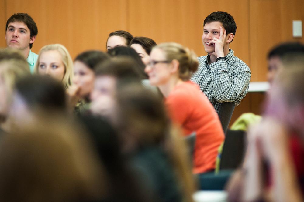 Students listen to former Starbucks CEO Howard Behar. (Austin Ilg photo)