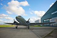 KATWIJK - Op vliegbasis Valkenburg hield Soldaat van Oranje een tweede premiere ter gelegenheid van een nieuwe Cast. Het vliegtuig wat in de show gebruikt word. FOTO LEVIN DEN BOER - PERSFOTO.NU