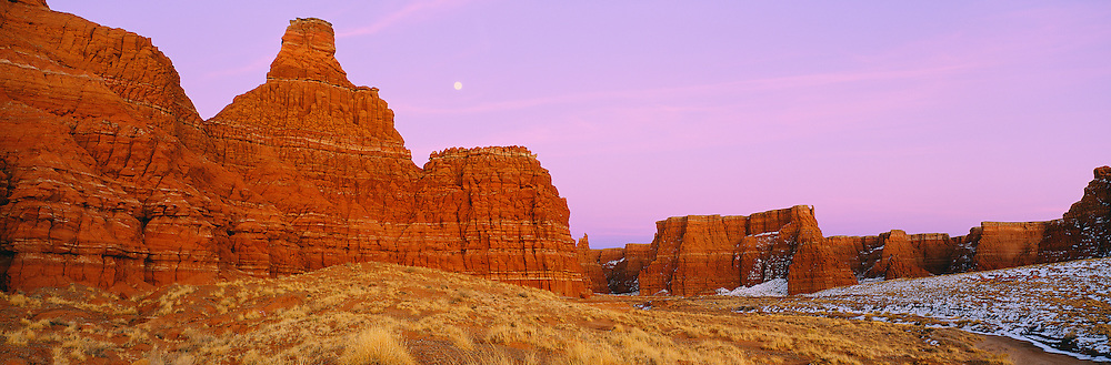 0199-1016 ~ Copyright: George H. H. Huey ~ Moonrise over the Adeii Eechii cliffs. Western Painted Desert. Navajo Indian Reservation, Arizona.