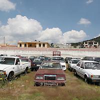 Toluca, Mex.- Coches recuperados por la policia ministerial en un corralon de la agencia especializada para robo de vehiculos. Agencia MVT / Mario Vazquez de la Torre. (DIGITAL)<br /> <br /> NO ARCHIVAR - NO ARCHIVE