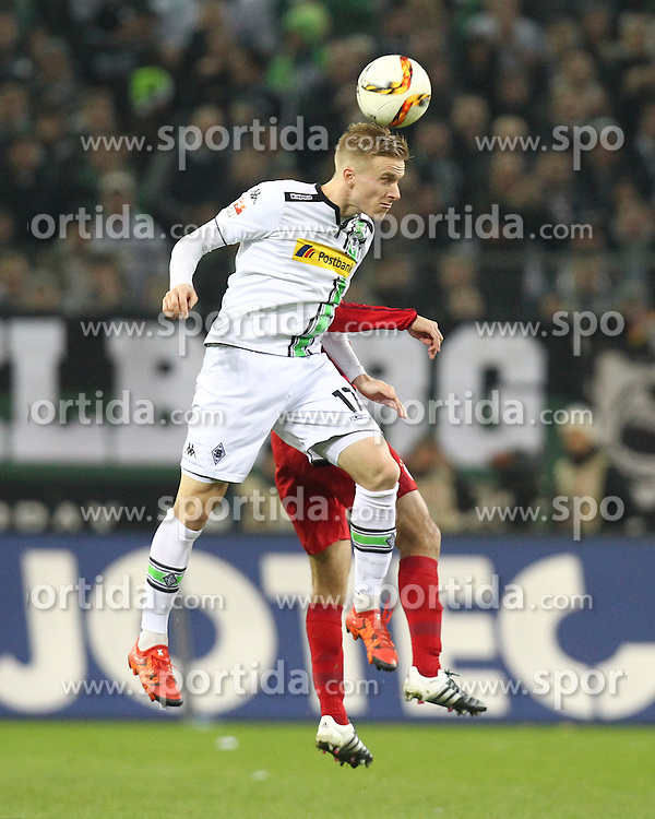 05.12.2015, Stadion im Borussia Park, Moenchengladbach, GER, 1. FBL, Borussia Moenchengladbach vs FC Bayern Muenchen, 15. Runde, im Bild Oscar Wendt (#17, Borussia Moenchengladbach), // during the German Bundesliga 15th round match between Borussia Moenchengladbach and FC Bayern Muenchen at the Stadion im Borussia Park in Moenchengladbach, Germany on 2015/12/05. EXPA Pictures &copy; 2015, PhotoCredit: EXPA/ Eibner-Pressefoto/ Deutzmann<br /> <br /> *****ATTENTION - OUT of GER*****