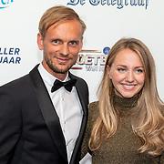 NLD/Hilversum/20190902 - Voetballer van het jaar gala 2019, Siem de Jong en zwangere partner Fieke Knuppe