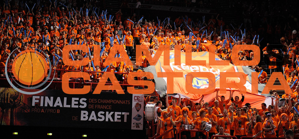 DESCRIZIONE : Ligue France Pro A  Le Mans Cholet  Finale<br /> GIOCATORE : Supporters Le Mans<br /> SQUADRA : Le Mans<br /> EVENTO : FRANCE Ligue  Pro A 2009-2010<br /> GARA : Le Mans Cholet<br /> DATA : 13/06/2010<br /> CATEGORIA : Basketball Pro A Supporters Le Mans<br /> SPORT : Basketball<br /> AUTORE : JF Molliere par Agenzia Ciamillo-Castoria <br /> Galleria : France Ligue Pro A 2009-2010 <br /> Fotonotizia : Ligue France Pro A Le Mans Cholet Finale Supporters Le Mans<br /> Predefinita :