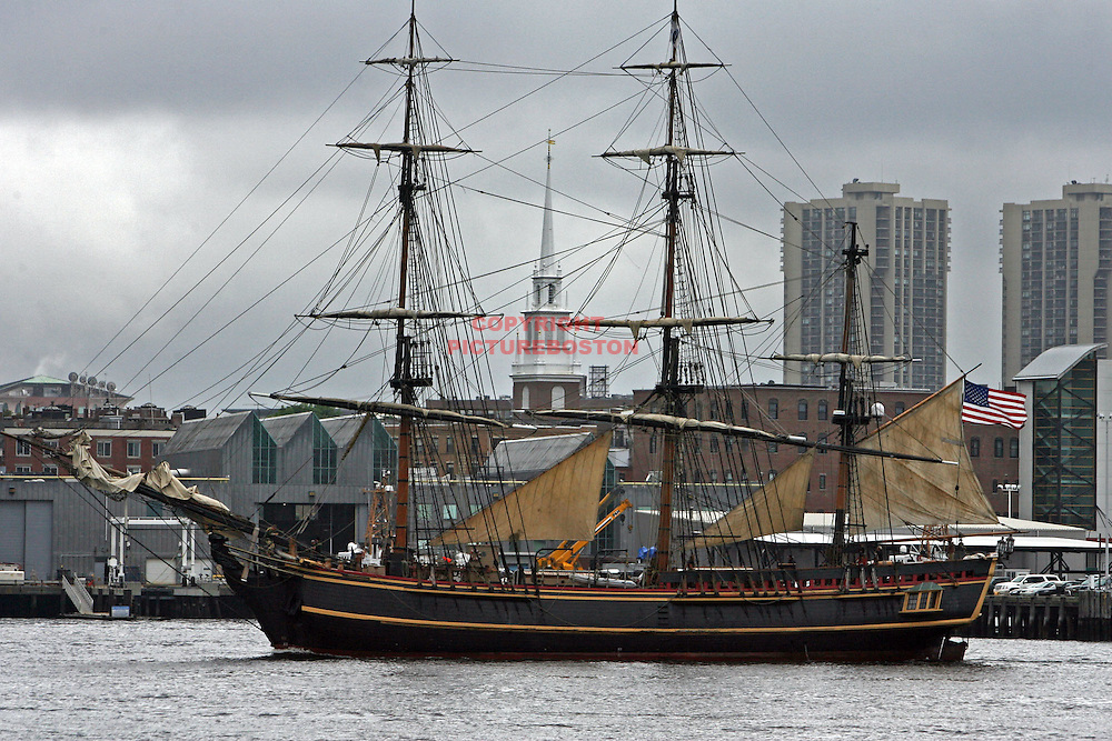 (07/08/09-Boston,MA) Sail Boston begins tomorrow. Here, the HMS Bounty sails around Boston Harbor... Staff photo by Mark Garfinkel