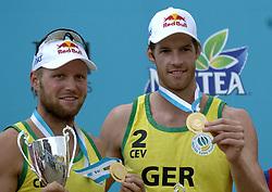 26-08-2006: VOLLEYBAL: NESTEA EUROPEAN CHAMPIONSHIP BEACHVOLLEYBALL: SCHEVENINGEN<br /> Christoph Dieckmann wint de gouden medaille op het EK<br /> ©2006-WWW.FOTOHOOGENDOORN.NL