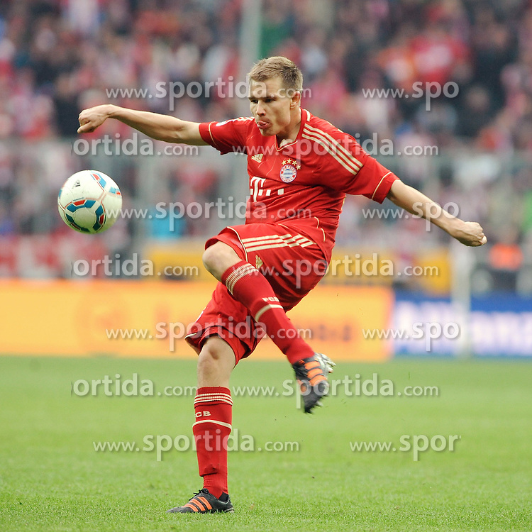 07.04.2012, Alianz Arena, Muenchen, GER, 1. FBL, FC Bayern Muenchen vs FC Augsburg, 29. Spieltag, im Bild Holger BADSTUBER (FC Bayern Muenchen) // during the German Bundesliga Match, 29th Round between FC Bayern Munich and FC Augsburg at the Alianz Arena, Munich, Germany on 2012/04/07. EXPA Pictures © 2012, PhotoCredit: EXPA/ Eibner/ Wolfgang Stuetzle..***** ATTENTION - OUT OF GER *****