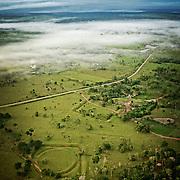 D&eacute;couverte des g&eacute;oglyphes en montgolfi&egrave;re. 311 sites d&eacute;couverts dat&eacute; entre 1200 et 500 en arri&egrave;re.<br /> Site du Jacua&ccedil;a et ses deux g&eacute;oglyphes