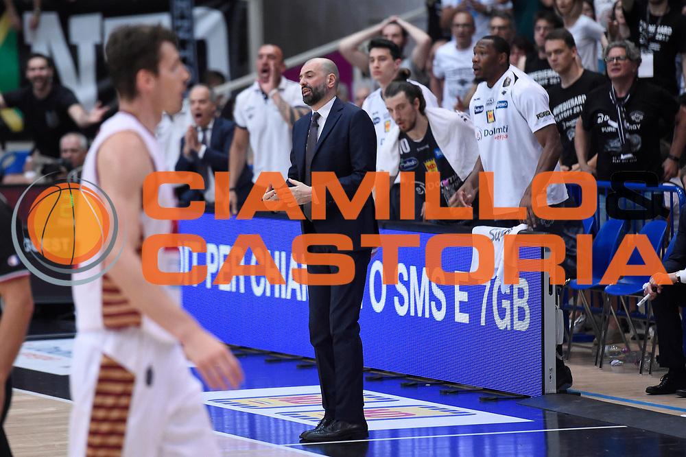 Maurizio Buscaglia<br /> Dolomiti Energia Aquila Basket Trento - Umana Reyer Venezia<br /> Lega Basket Serie A 2016/2017<br /> Playoff, finale gara 3<br /> Trento, 14/06/2017<br /> Foto M.Ceretti / Ciamillo-Castoria