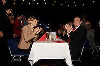 14 NOV 2005, KARLSRUHE/GERMANY:<br /> Doris Schroeder-Koepf, Kanzlergattin, und Gerhard Schroeder, SPD, scheidender Bundeskanzler, Parteiabend, SPD Bundesparteitag, Messe Karlsruhe<br /> IMAGE: 20051114-01-150<br /> KEYWORDS: party congress, Gerhard Schröder, Doris Schroeder-Koepf