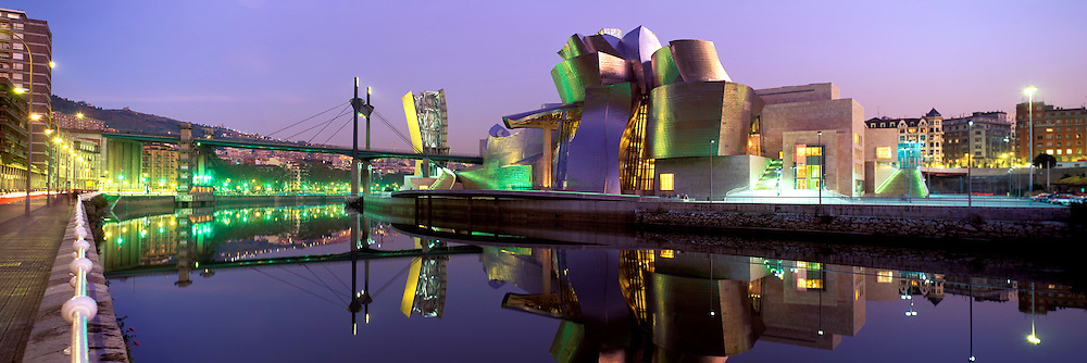 SPAIN, NORTH, BASQUE Bilboa; the Guggenheim Museum