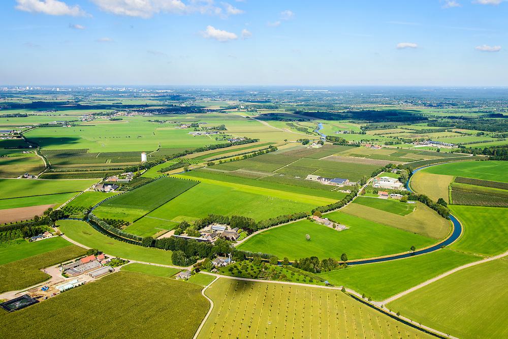 Nederland, Utrecht, gemeente Wijk bij Duurstede, 30-09-2015; ten westen van Cothen, de meander van de Oude Kromme Rijn zichtbaar in het landschap. De witte toren is een voormalige watertoren Werkhoven <br /> Meander of the Old Rhine is visible in the landscape.<br /> luchtfoto (toeslag op standard tarieven);<br /> aerial photo (additional fee required);<br /> copyright foto/photo Siebe Swart