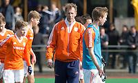 ROTTERDAM -   Dutch coach Michiel van der Struijk (r) . Practice Match  Hockey : Netherlands Boys U16  v England U16 . COPYRIGHT KOEN SUYK