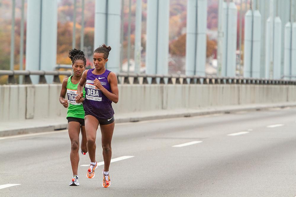 ING New York City Marathon: Buzenesh Deba, Ethiopia, leads race