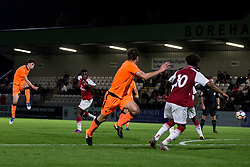 LONDON, ENGLAND - Friday, August 25, 2017: Liverpool's Sam Hart scores his sides second goal to make the score 1-2 during the Under-23 FA Premier League 2 Division 1 match between Arsenal and Liverpool at Meadow Park. (Pic by Paul Greenwood/Propaganda)