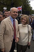 Mr. and Mrs. Iain Duncan Smith. Liberty and Livelihood march, London, 22 September 2002. © Copyright Photograph by Dafydd Jones 66 Stockwell Park Rd. London SW9 0DA Tel 020 7733 0108 www.dafjones.com