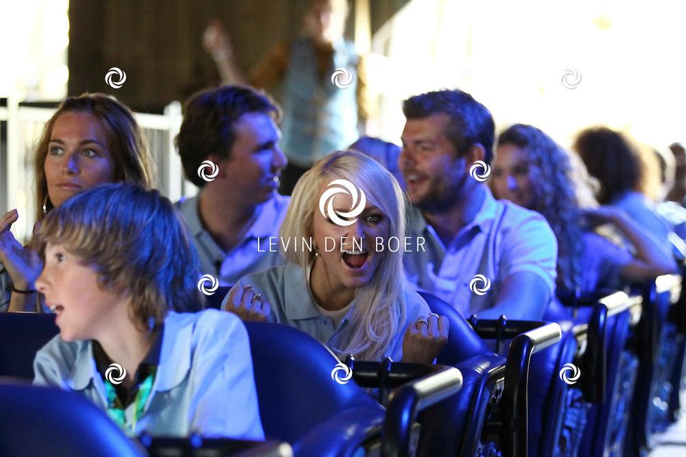 KAATSHEUVEL - In de Efteling was vandaag de officiele opening van Joris en de Draak.  Met op de foto zangeres Lindsy Schuman van popgroep Djumbo. FOTO LEVIN DEN BOER - PERSFOTO.NU