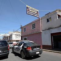 Toluca, México (Febrero 09, 2017).- Ante constantes asaltos a comercios ubicados en la calle Miguel Hidalgo de Capultitlán, los vecinos colocaron algunas mantas para inhibir la delincuencia, en donde los amenazan que de ser sorprendidos delinquiendo los lincharan.  Agencia MVT / Crisanta Espinosa
