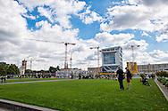 Berlino 14  Settembre 2013<br />  In vista del trasferimento delle funzioni di capitale da Bonn a Berlino, la metropoli si &egrave; trasformata in un grande cantiere.  In view of the transfer of the functions of capital from Bonn to Berlin, the metropolis has become a large yard