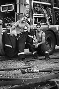 Les anges gardiens 2008 - Nouméa firefighter calendar