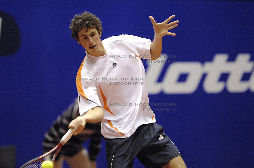17-12-2006 TENNIS: SKY RADIO TENNIS MASTER: ROTTERDAM<br /> Robin Haase wint het Masters toernooi<br /> &copy;2006-WWW.FOTOHOOGENDOORN.NL