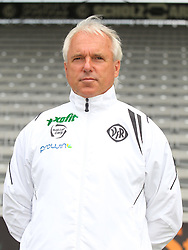14.07.2015, Scholz Arena, Aalen, GER, 2. FBL, VfR Aalen, Fototermin, im Bild Trainer Peter Vollmann ( VfR Aalen ) // during the official Team and Portrait Photoshoot of German 2nd Bundesliga Club VfR Aalen at the Scholz Arena in Aalen, Germany on 2015/07/14. EXPA Pictures © 2015, PhotoCredit: EXPA/ Eibner-Pressefoto/ Langer<br /> <br /> *****ATTENTION - OUT of GER*****
